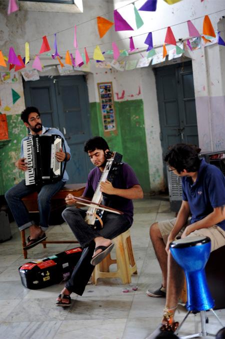 Helter Skelter: Music Basti